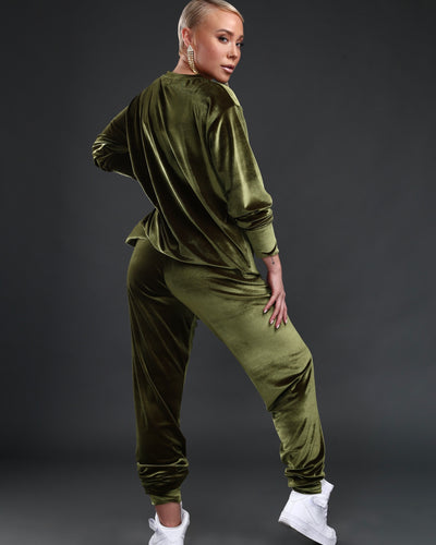 LEISURE LOUNGING SUIT // OLIVE VELVET