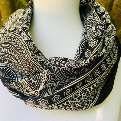 Paisley - Black & Ivory Infinity Scarf with Hidden Zipper Pocket - Reversible