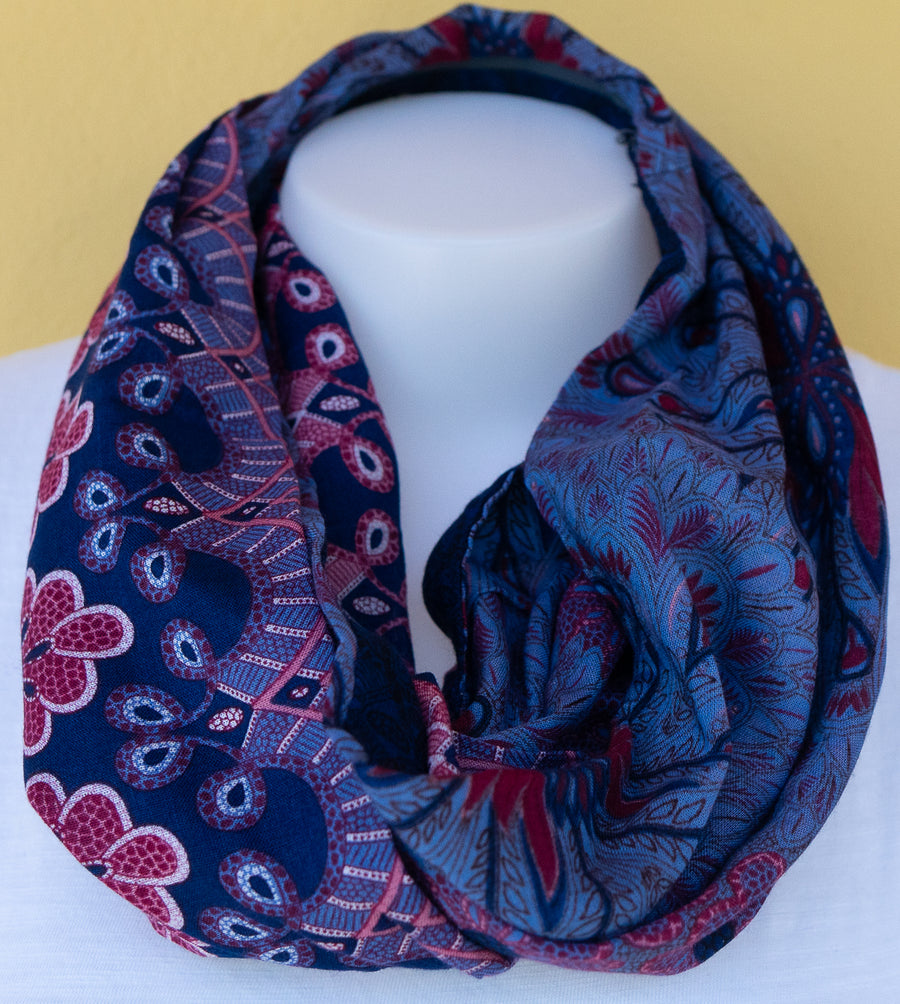 Paisley - Indigo Blue & Lavander Infinity Scarf w/a Hidden Zipper Pocket - Reversible