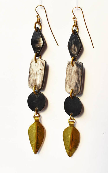 ADELE DARK HORN EARRINGS