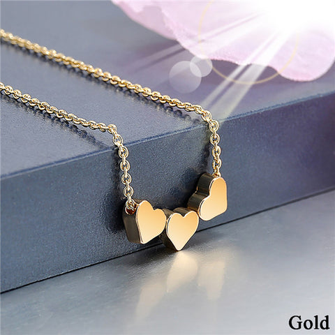 2018 Trendy Mother's Day Gift - Three Love Heart Pendant