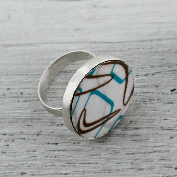 Round Laminate in Boomerang Pattern Ring
