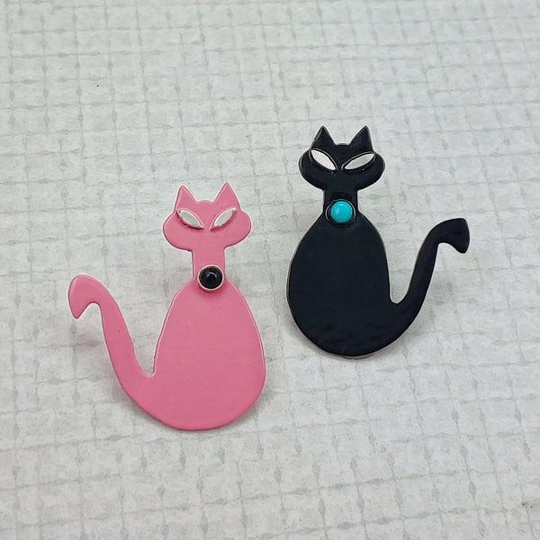 Mid-Mod Cat Powdercoated Pin/Brooch - Black