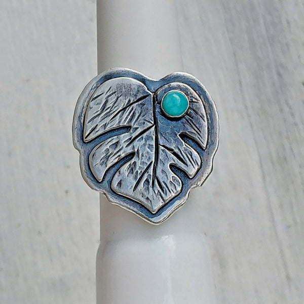 Monstera leaf ring with amazonite