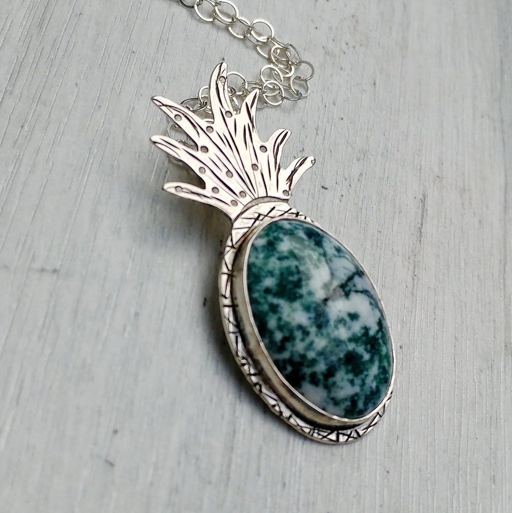 Pineapple necklace with tree agate stone