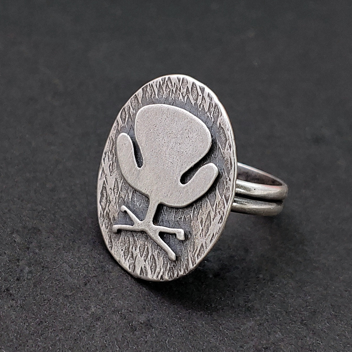 Swan chair ring in sterling silver