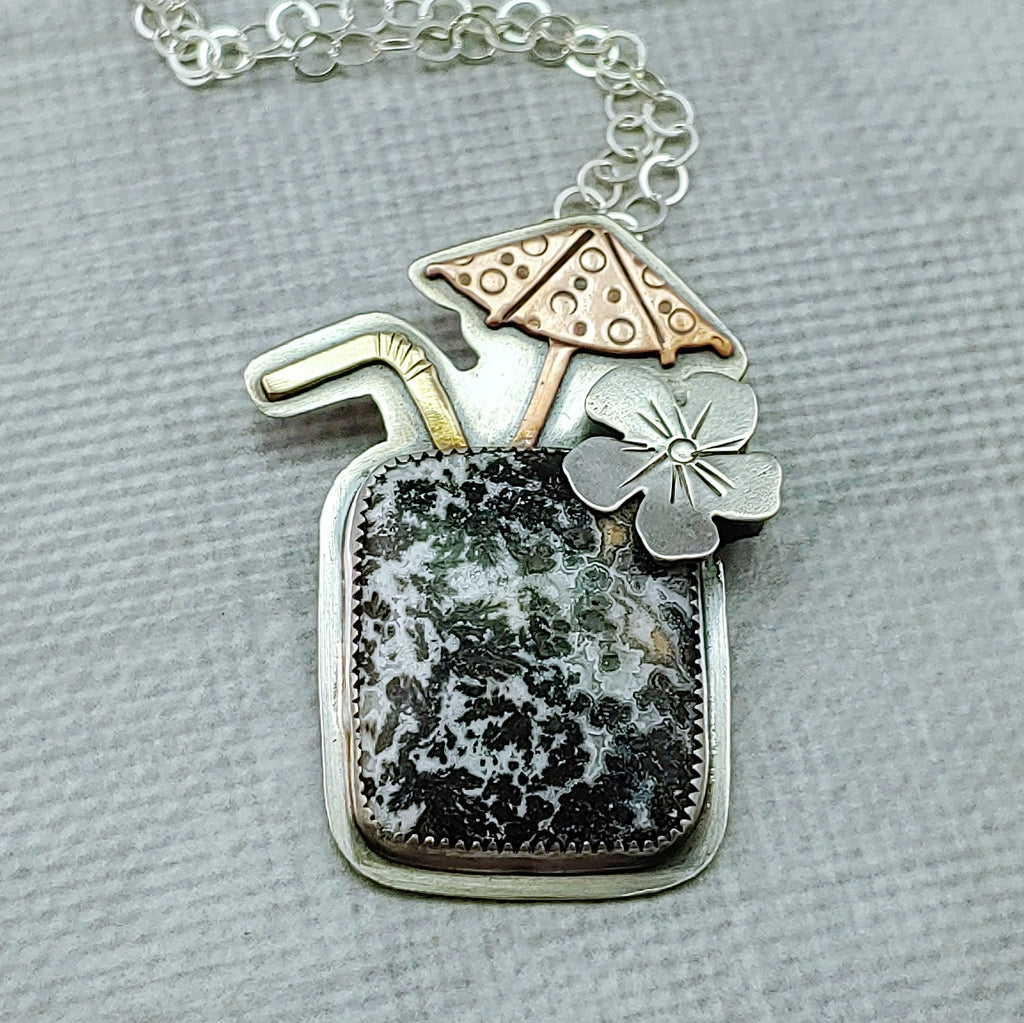 dendritic agate tiki drink necklace