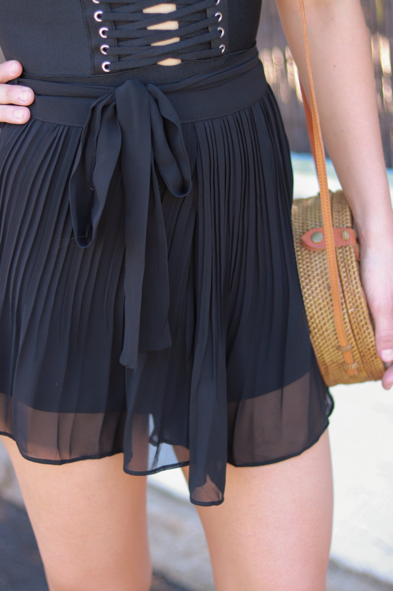 DELTA PLEATED SHORT | BLACK