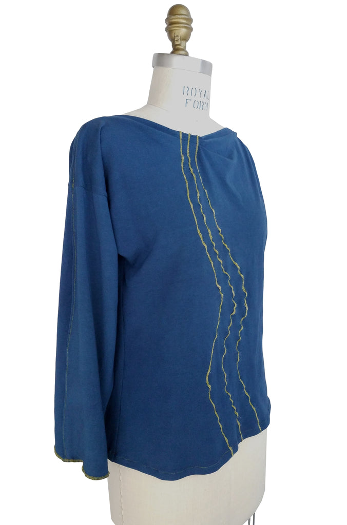 Wavy Line Sleeve Top