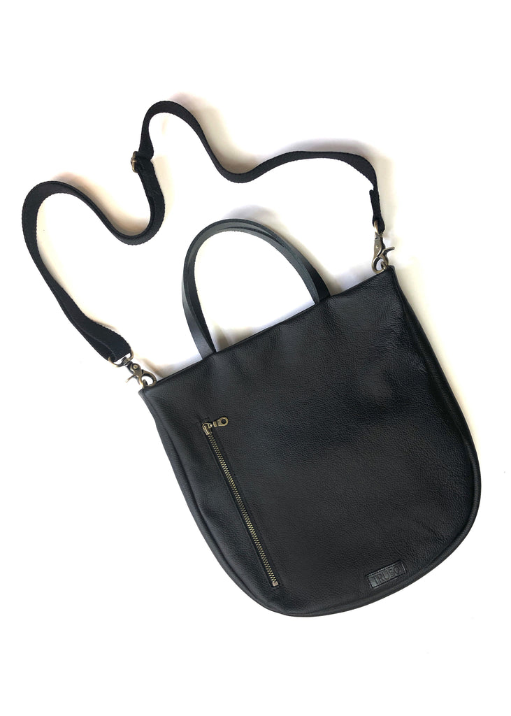 SALE!! Toting Tote In Black Leather