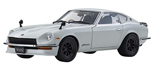 1:18 NISSAN FAIRLADY Z (S30) WHITE PEARL