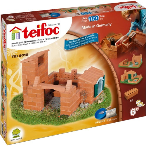 CASTLES / HOUSE APPROX 150 PARTS CEMENT AND BRICK CONSTRUCTION SET