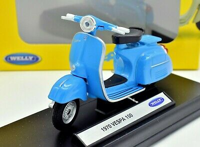 1:18 VESPA 150CC 1970 LIGHT BLUE - morethandiecast.co.za