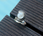 ELEGANCE RING: sterling silver and mother of Pearl - Sembilan jewelry