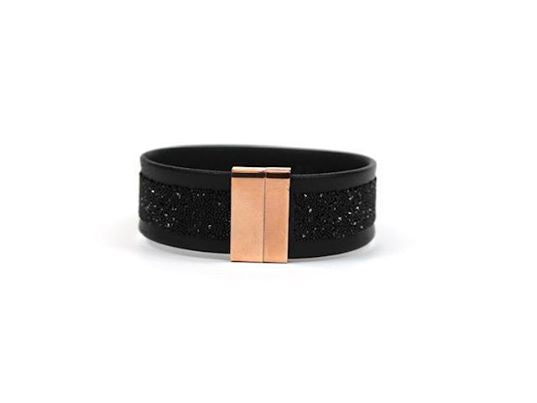 She.Rise Magnetic Cuff in Black with Jet Stripe