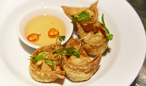 KYLIE KWONG'S CRISPY PRAWN WONTONS WITH SWEET CHILLI SAUCE