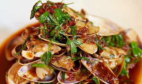 KYLIE KWONG'S STIR-FRIED PORK AND CLAMS WITH BLACK BEANS