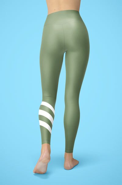 The Refresh Legging By Chelsea T.