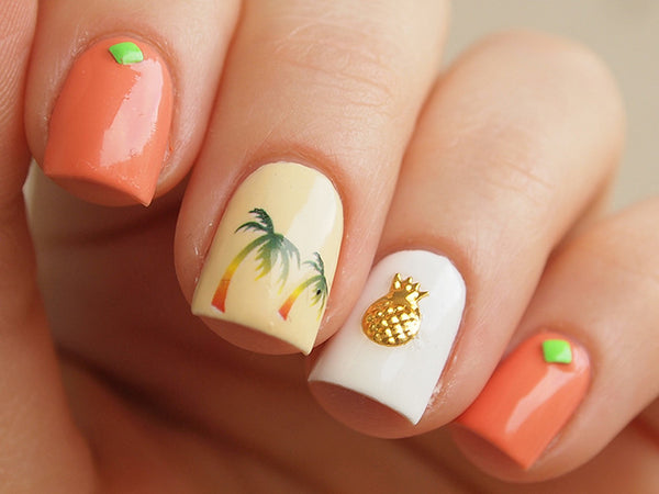 tropical nails with gold pineapple nail charm