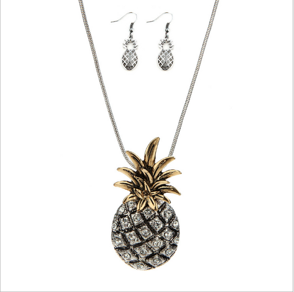 Diamond-studded pineapple necklace to do the old green alloy sets