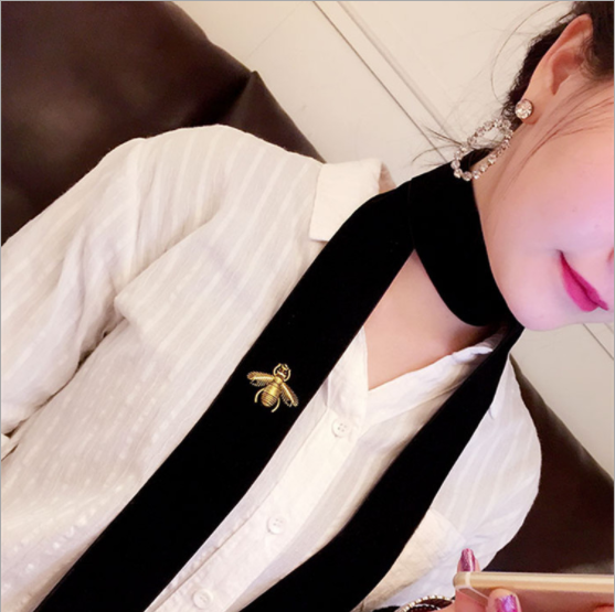 The new street fashion personality all-match stereo bee suede wide long necklace Necklace neck strap