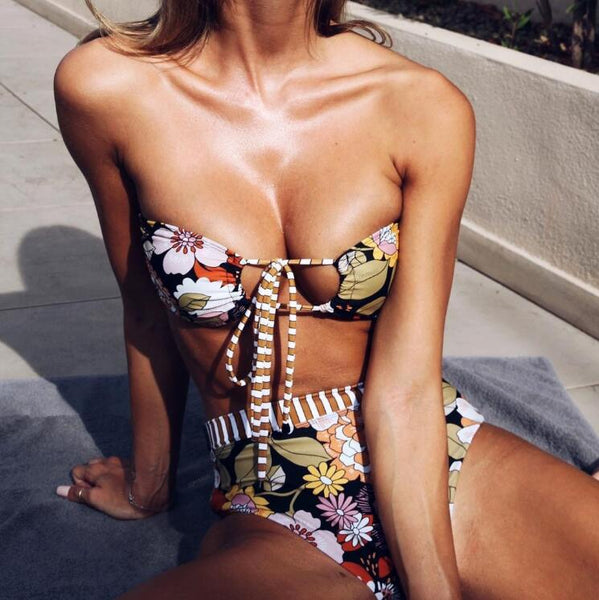 Sexy Trending Women Stylish Flowers Print Chest Hollow Bind Strapless High Waist Two Piece Bikini Swimsuit Bathing