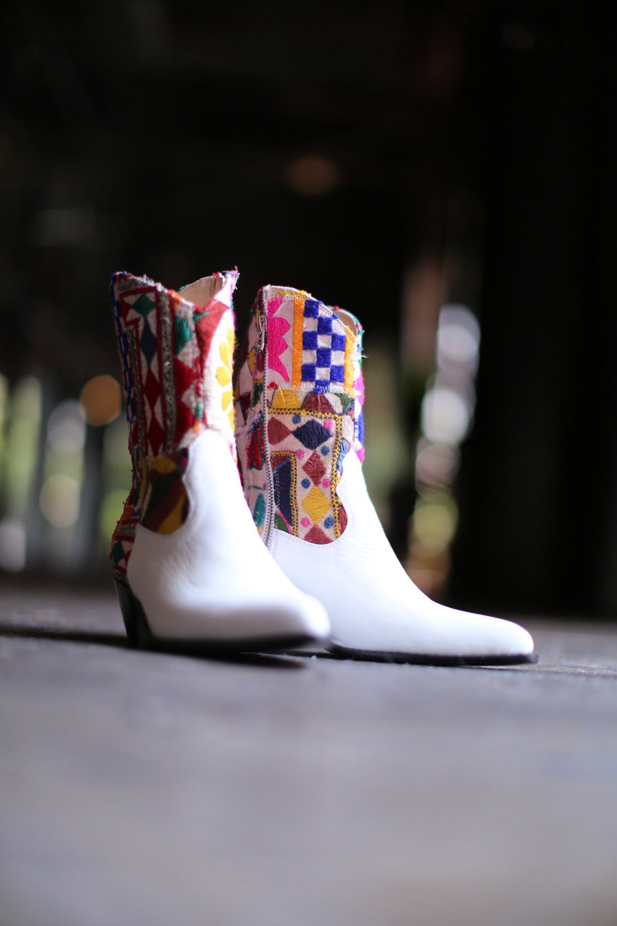 EMBROIDERED PATCHWORK BOOTS GIVA