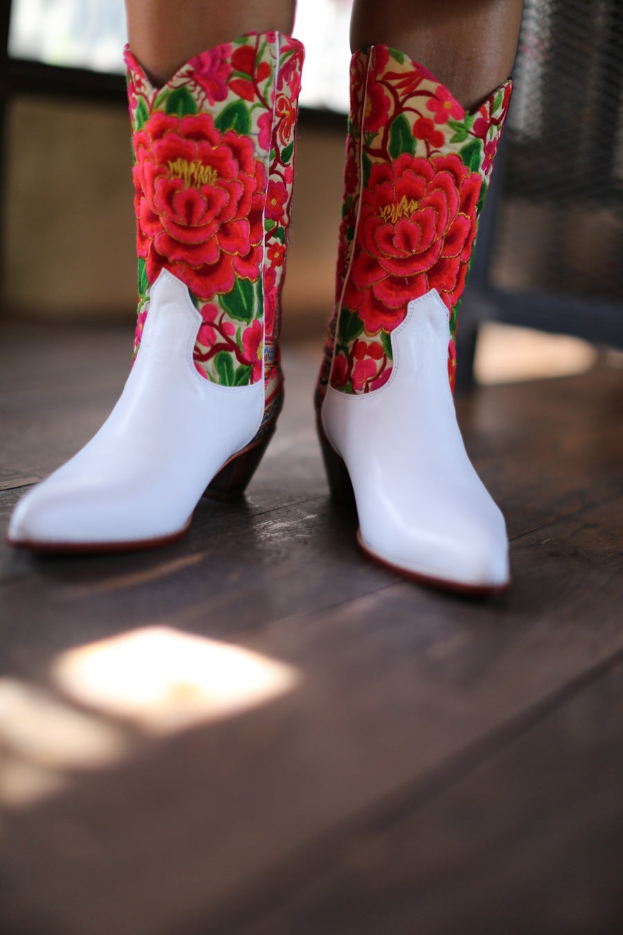 FLOWER EMBROIDERED COWBOY BOOTS GALA - MOMO NEW YORK