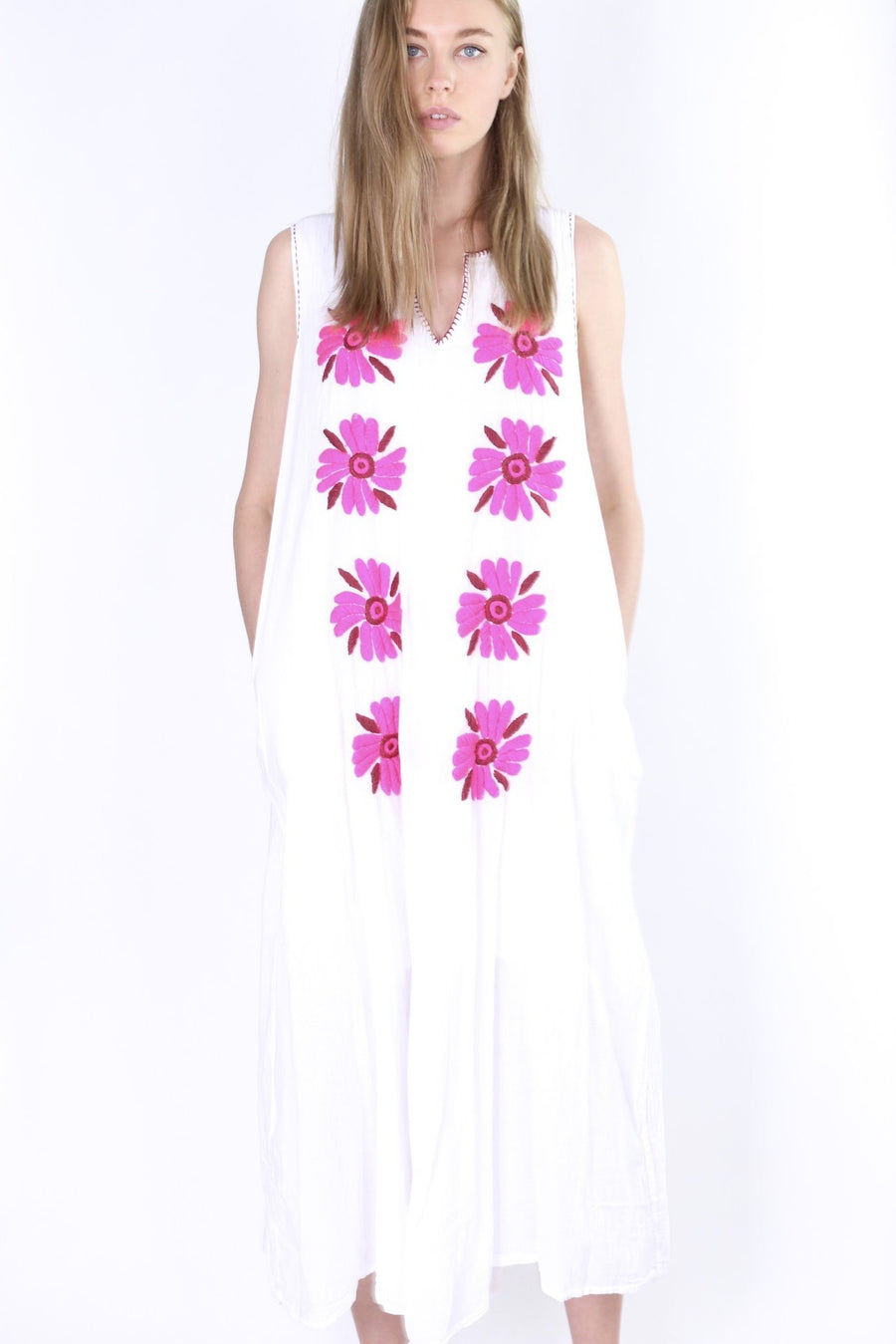 FLOWER EMBROIDERED SUMMER SLEEVELESS DRESS PIMPI MOMO NEW YORK