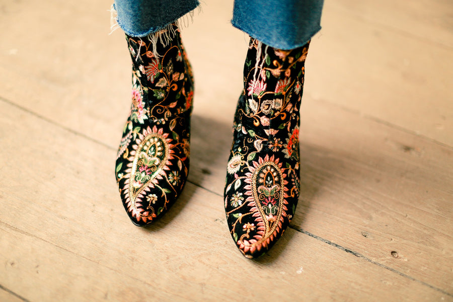 Embroidered Velvet Boots Lou