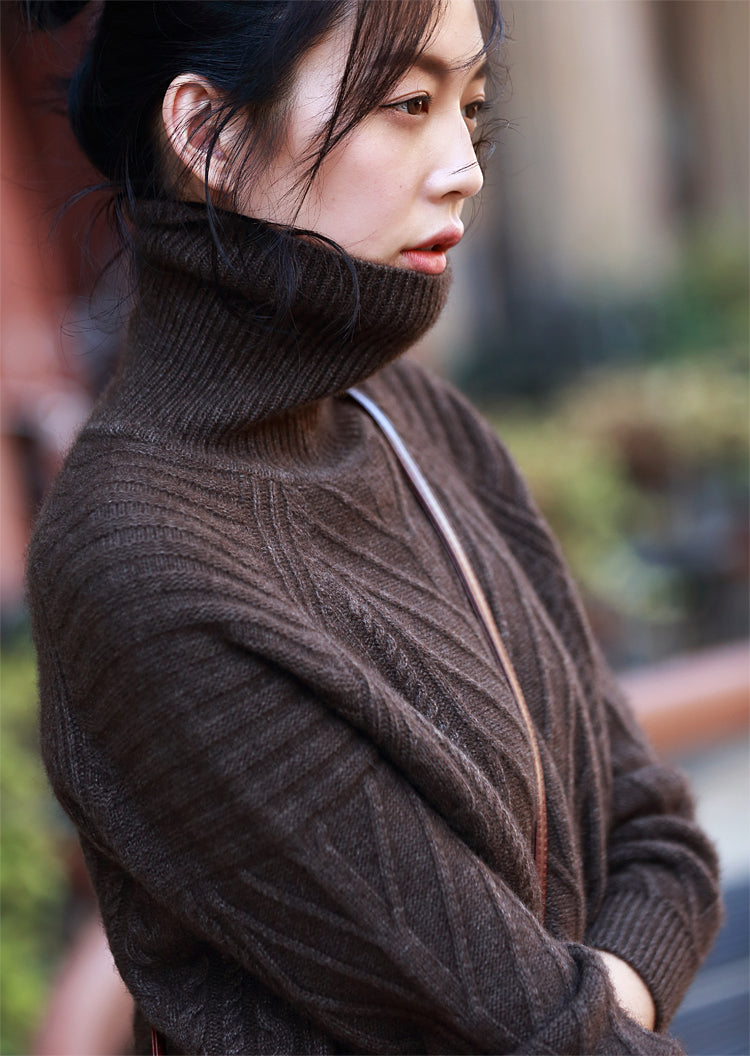 Long sleeve turtleneck cable knitted sweater