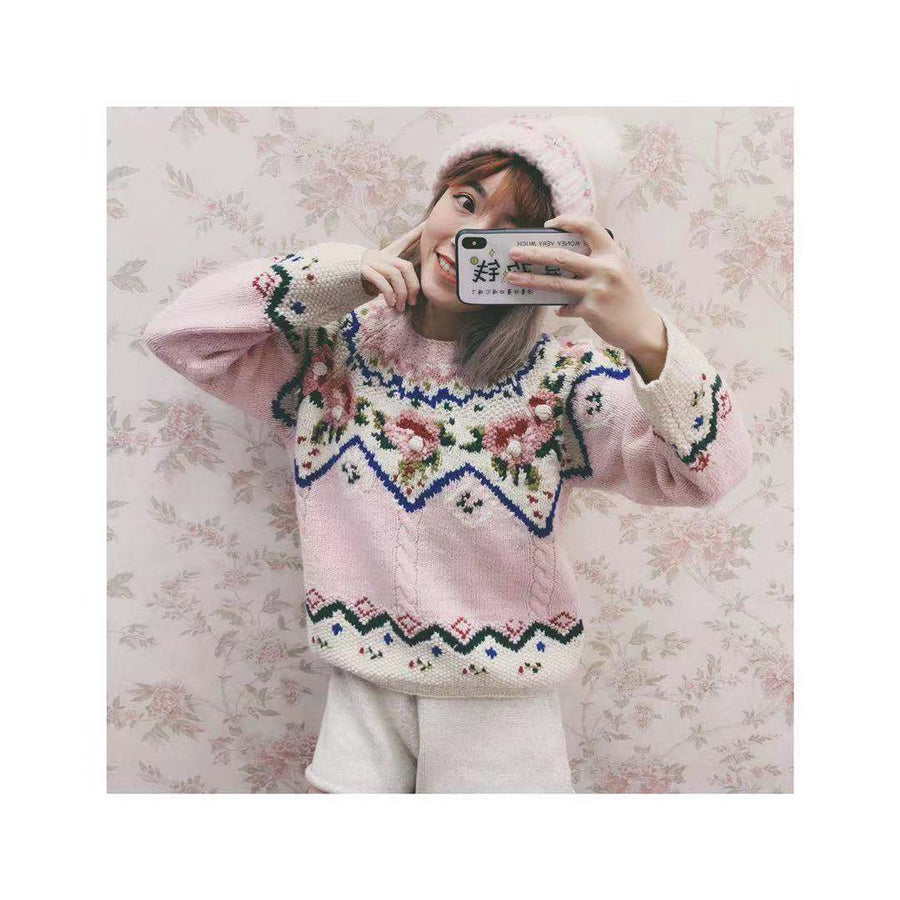 Embroidery Flower Wool Pullover Hand-knit