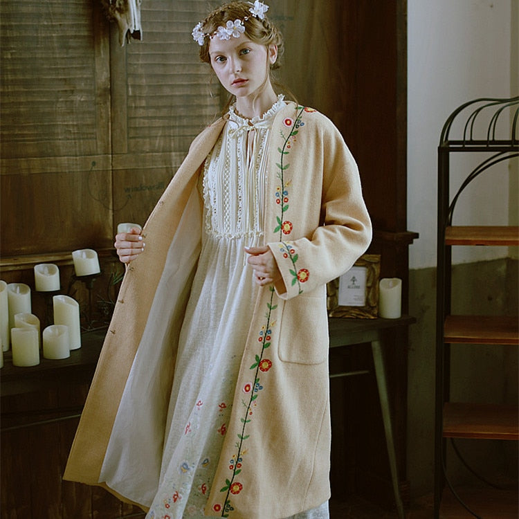 Camel Flower Embroidery All-match Loose Casual Oversize Sweater Overcoat Outerwear