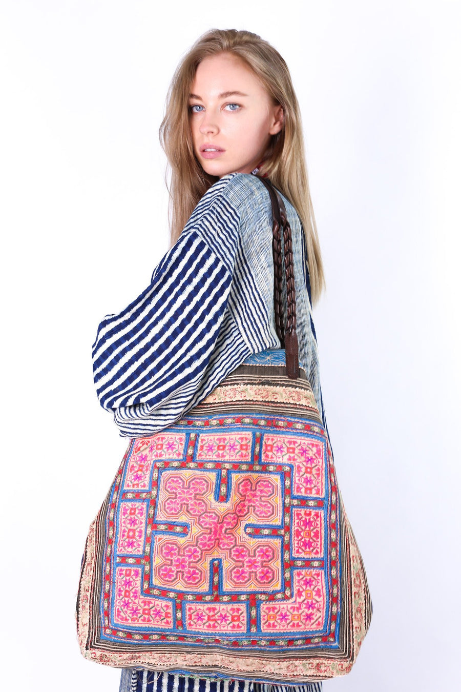 TRIBAL TOTE SHOPPER BILLIE JEAN MOMO NEW YORK