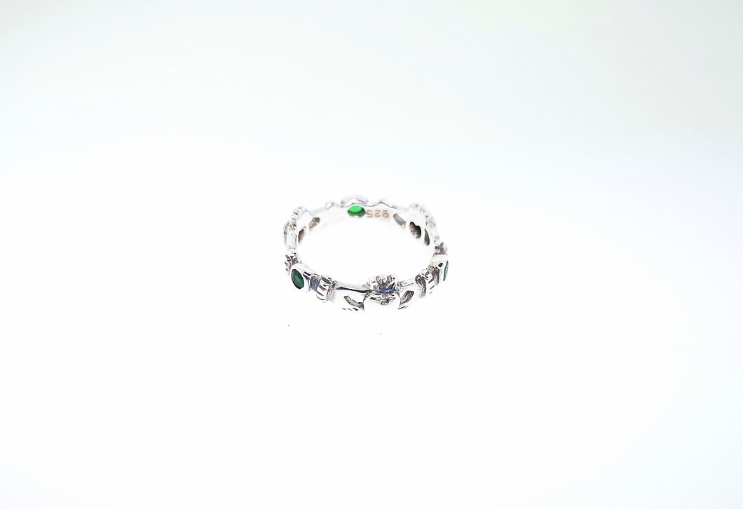 Claddagh Ring - Sterling Silver With Emerald Green Crystals