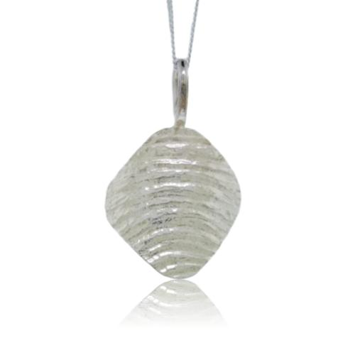 Ripple Arc Pendant - 9 Karat White Gold