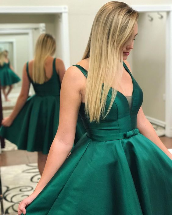 Cute A-line Green Homecoming Dress with Ribbon Short Prom Gown