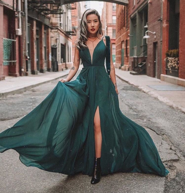 Emerald Green Sheer Chiffon V-Neck Prom Party Dresses Long