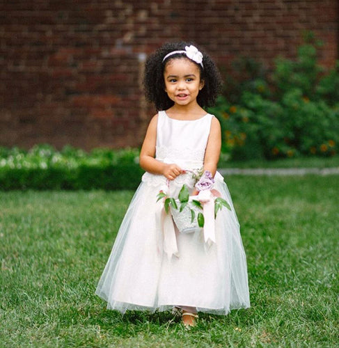 Lovely Flower Girl Dresses with Waist Lace Appliques