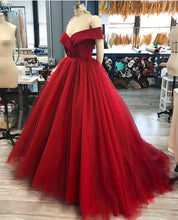 Off The Shoulder V-Neck Tulle Ball Gown Prom Dresses