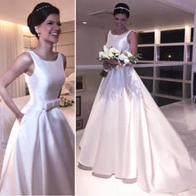 Sleeveless Satin Wedding Dress with Pockets and Bow 2018
