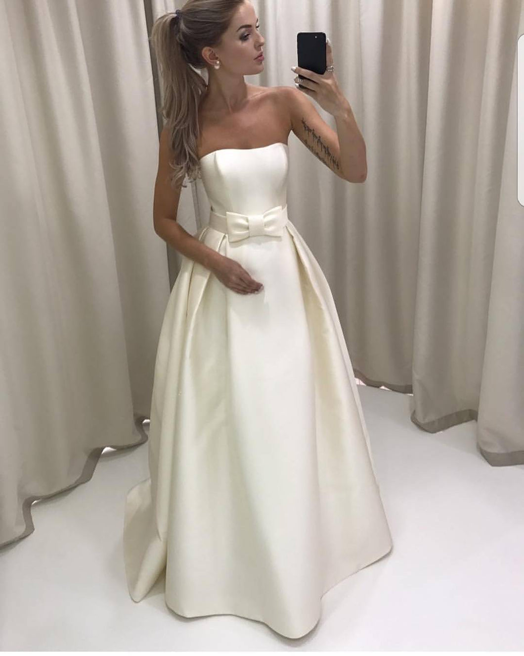 Awesome Simple Strapless Wedding Dress Ivory Satin Bridal Gown With A Bow