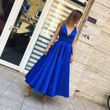 Royal Blue Satin Short Prom Dresses Deep V Neck Sexy Party Gowns