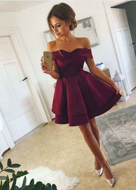 Tired Skirt Off-The-Shoulder Homecoming Dresses Short Prom Gowns