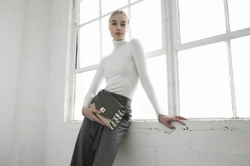 MOPHIA CLUTCH in Olive Green