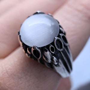 The Lily Dome Ring in White