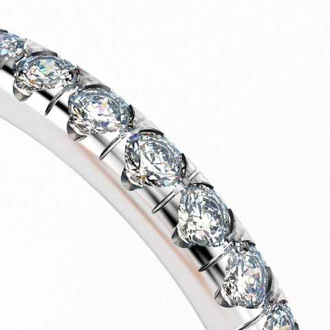 Split U cut split prong pavé diamond setting style