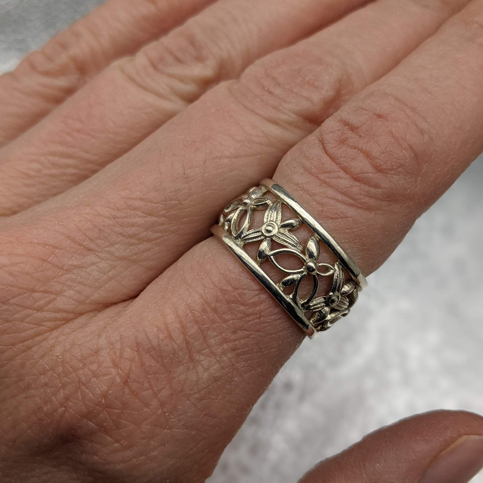 Floral Filigree Wide Ring