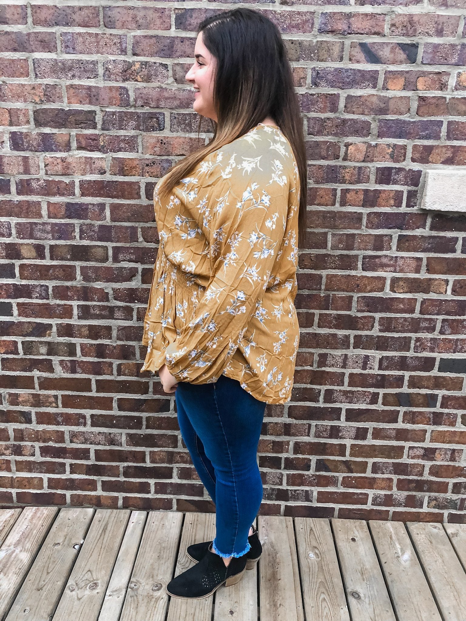 The Savannah Mustard Floral Top in Plus Long sleeve Gigio