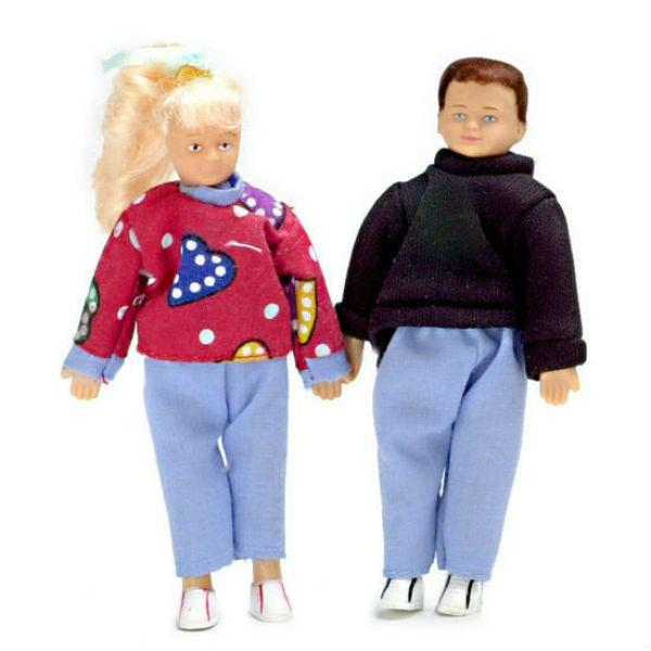 Boy and girl teenage dollhouse dolls wearing casual clothes.